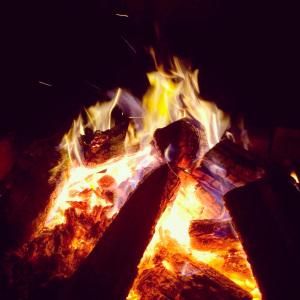 Argomento 'che brucia': il burnout per generosità.  7 modi per essere generosi e non bruciarsi